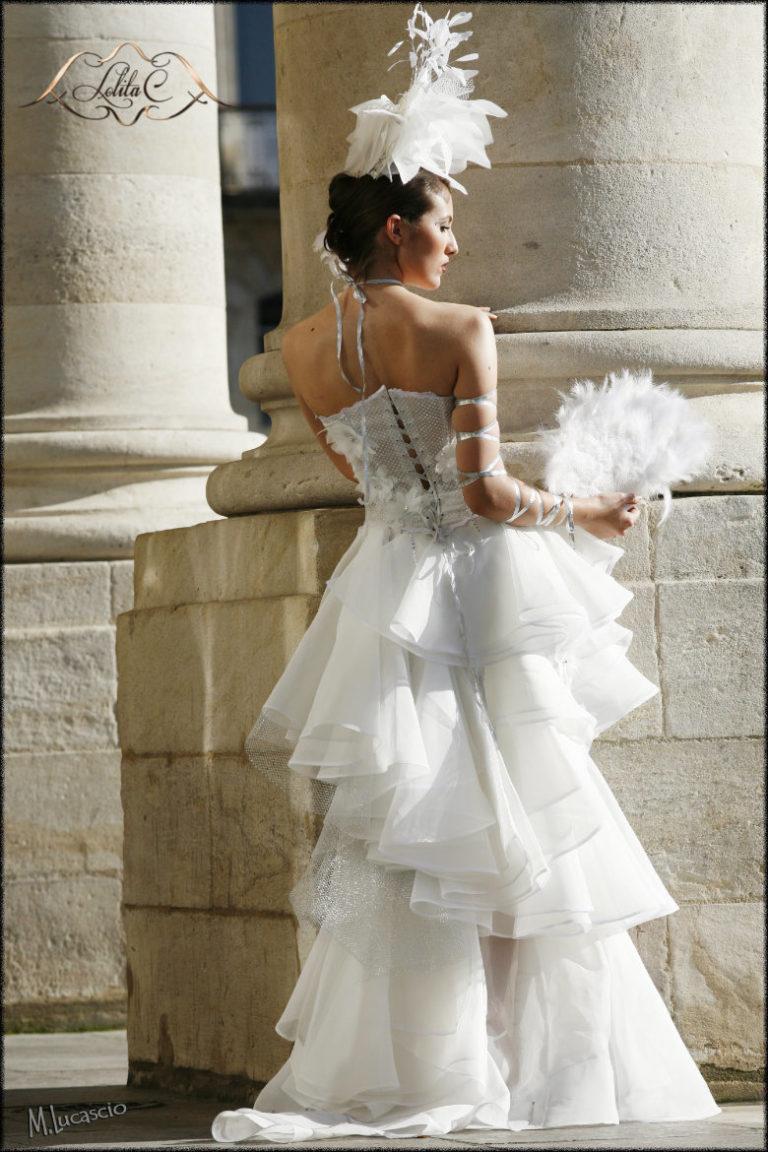 robe de mariée unique, plume