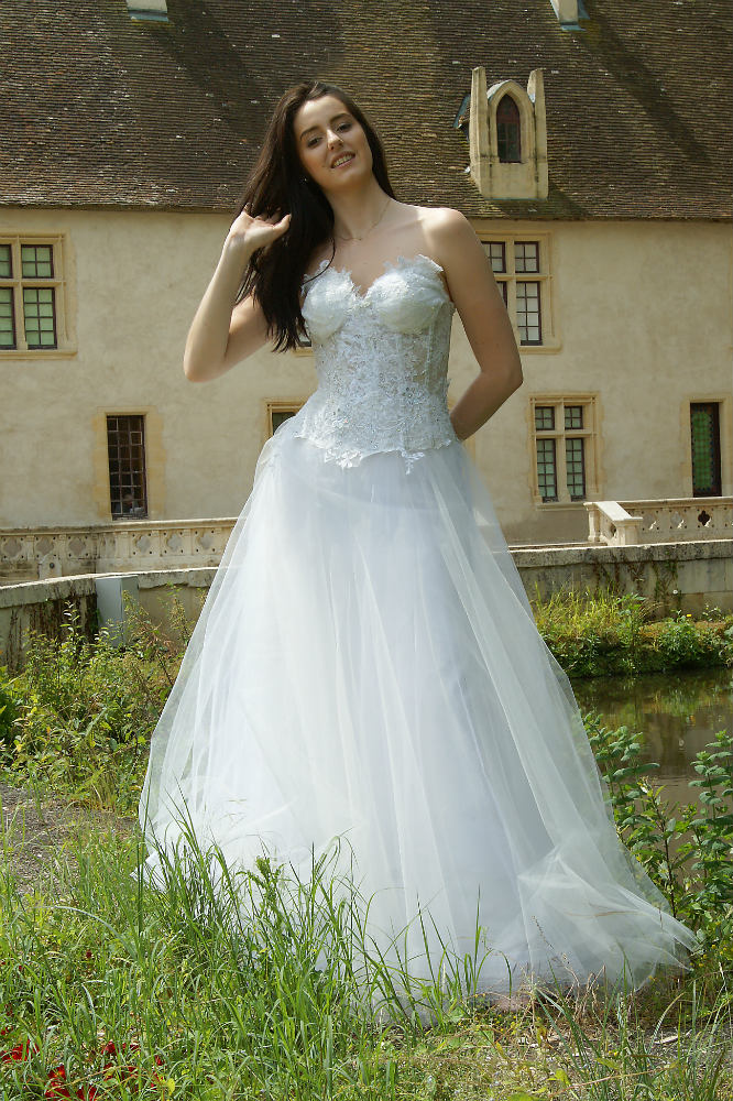 robe de mariée unique, Lolita C, bordeaux, robe de mariée dentelle